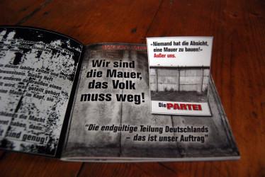 Die PARTEI Stickermag - 30 Jahre Einheit sind genug!